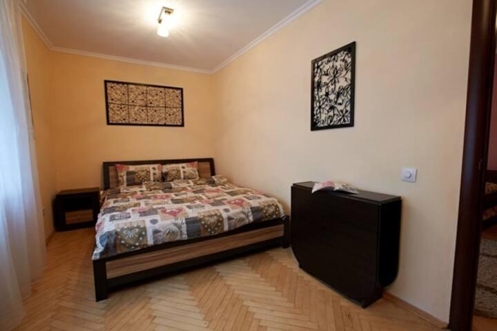 2-ком. квартира Ровно в центре города (Драмтеатр)