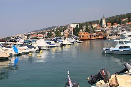 Croatia Beaches: Xandar Apartment 3 - Selce