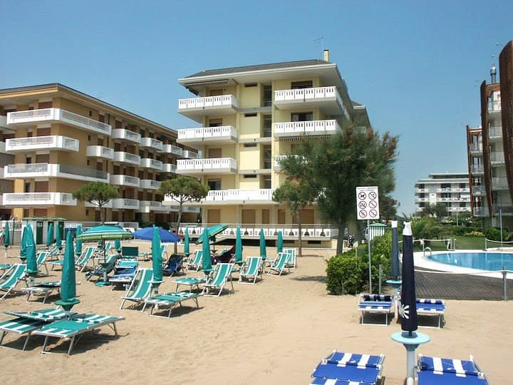 apt for 4+2 persons in Lido di Jesolo R25669