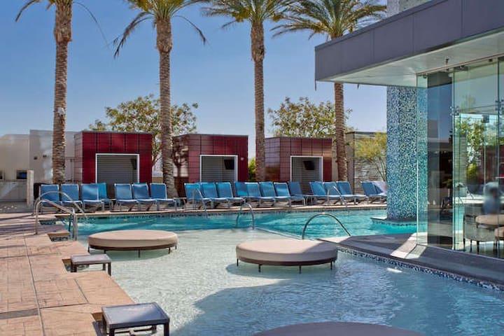 ❤️ Beautiful High Rise Condo - 307 no resort fees