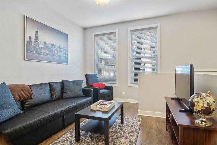 Lincoln Park 3bd/2ba🥘Near Best Food (+Parking)