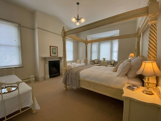 The Master Suite Blayney House