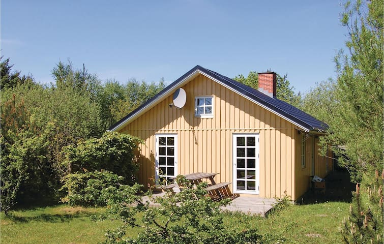 Holiday cottage with 2 bedrooms on 91 m²