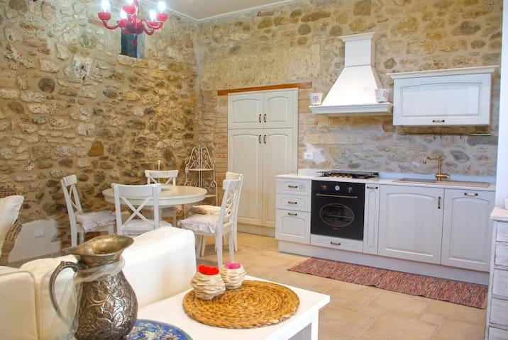 Delizioso appartamento in campagna con giardino - Ascoli Piceno - 公寓
