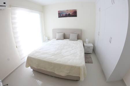 Bedroom- спальня