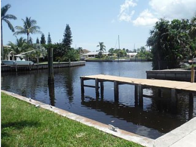 Water views, Canal front Florida home. - Palm City - House