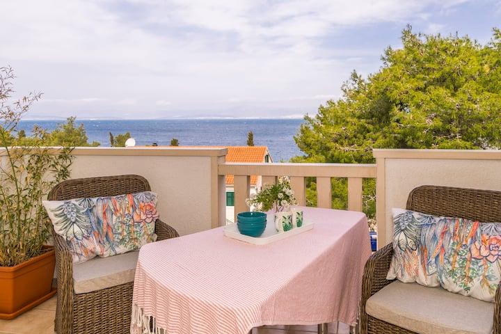 Pirka - apt. w. terrace & sea view,2 min to beach