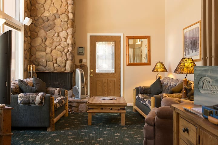 South Lake Tahoe comfy condo - Zephyr Cove-Round Hill Village - Kondominium