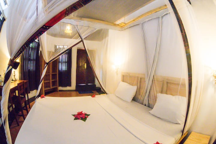 Sherekea Hotel Deluxe Double Room