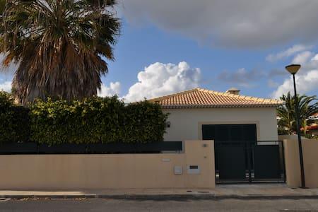 Casa de Férias, 500 metros da praia, 3 Quartos