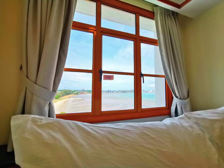 Lexis Port Dickson Suite 6 - Seaview (Up to 5 Pax)