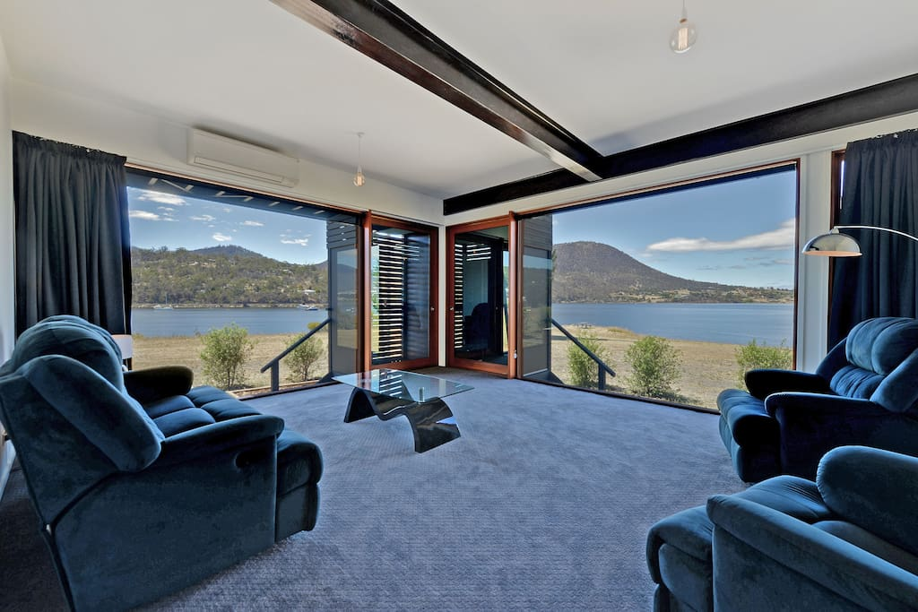 AMAZING DOUBLE SIDED WATER & MOUNTAIN VIEWS
