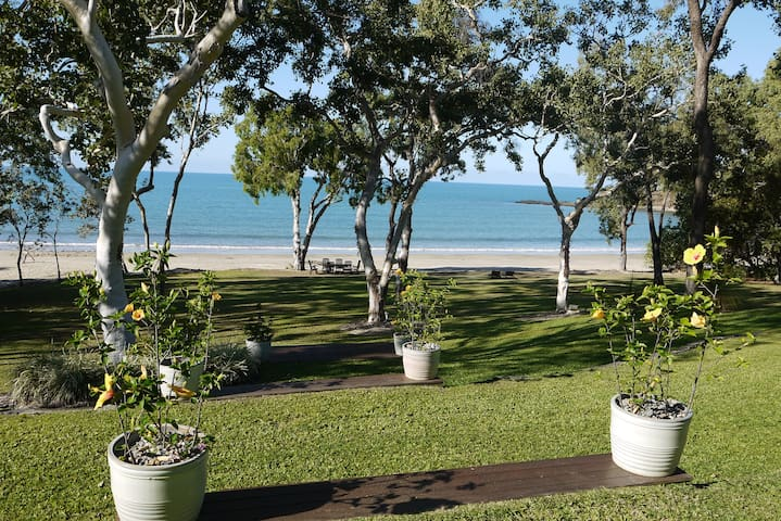 Cottonwood - Secluded Beachfront Cove - Oak Beach - Vakantiewoning