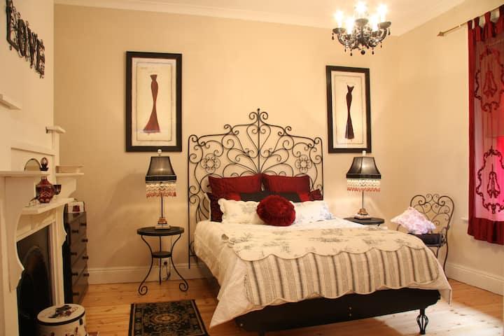 Azalea Cedar-Rose Barossa Vineyard Views Villa