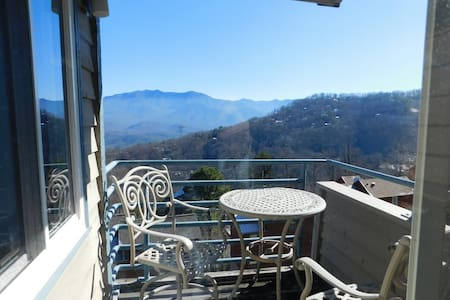 No Cleaning Fees! And The Views! - Gatlinburg - Wohnung