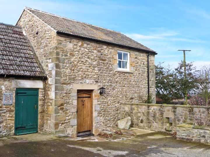 Stonetrough barn; restful, romantic getaway