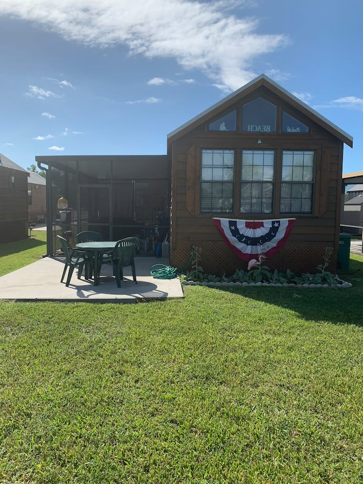 Everglades City Cabin with boat ramp and dock