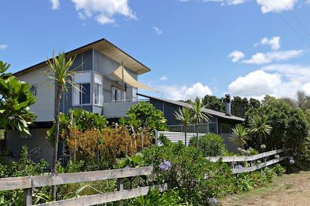 Whangapoua Beach House - Whangapoua - Huis
