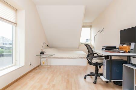 Ruime kamer van mooiste wijk van Alkmaar - アルクマール