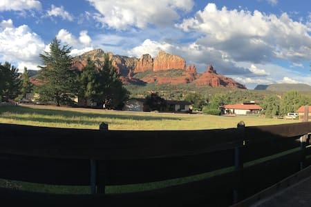 Uptown Private Upscale Cottage Close to Everything - Sedona