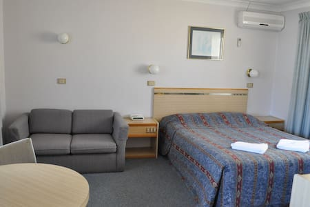 Room type: Private room Bed type: Real Bed Property type: Other Accommodates: 3 Bedrooms: 1 Bathrooms: 1