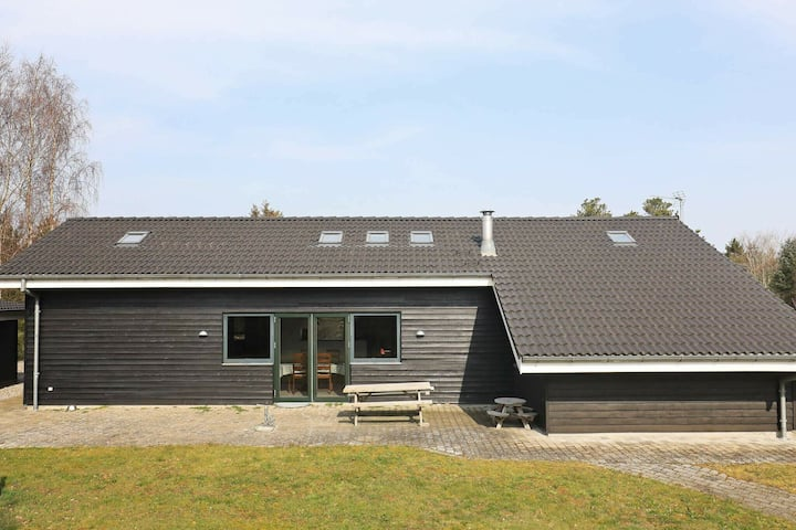 Pleasant Holiday Home in Jutland with Whirlpool