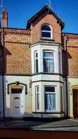 Allworthy Town House Triple (sleeps 3)Room 2