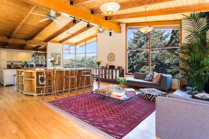 Berkeley hills private retreat houses for rent in berkeley the home features two wings connected by a windowed hallway bringing views nature and light sciox Gallery