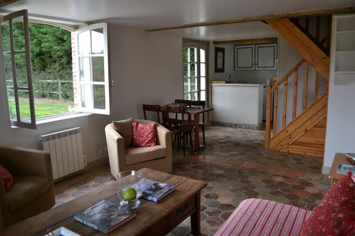 Gite/Cottage dans Parc Château à 100km de Paris
