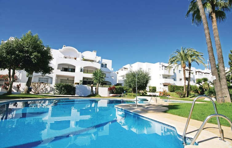 Holiday apartment with 2 bedrooms on 84 m² in Estepona