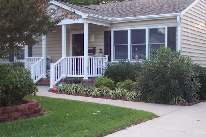 EFFICIENCY in Private Home with Private Entrance.