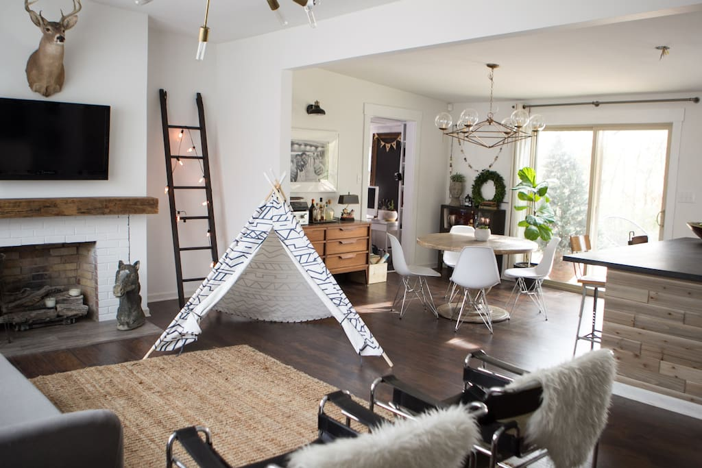 Family Friendly Open Concept Living Area