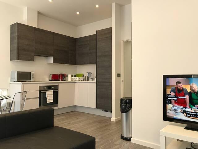 Modern 1 Bedroom Apartment for 5 at Paddington