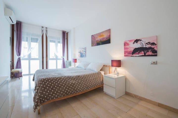 Spacious twin/triple room - Guest House Red Velvet - Milaan - Pension
