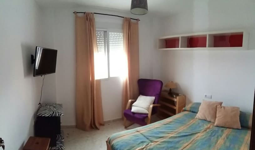 Habitación doble privada con canapé - San Fernando - Casa
