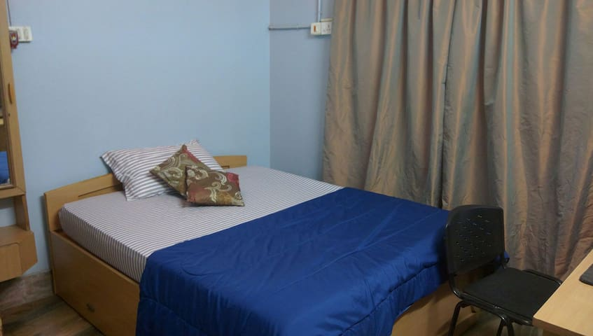 Cosy room for 2 - Bangalore - Hus