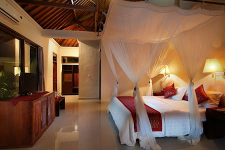 Room Only@ Super Deluxe Putri Ayu Cottages - Ubud