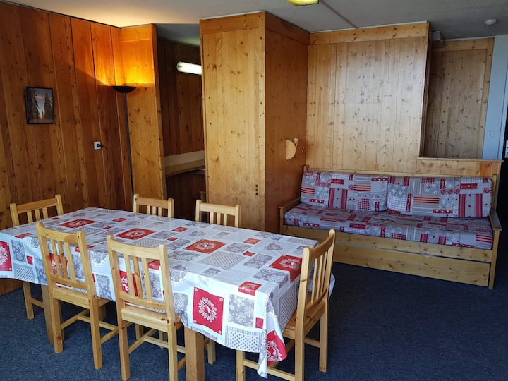 3 rooms apartment for 7 persons in Arc 1600 next to the slopes and close to shops