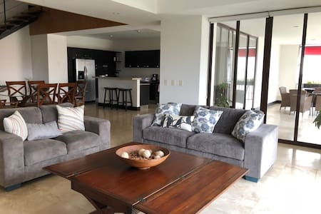 Luxury 3-BR Condo in the heart of everything!!!