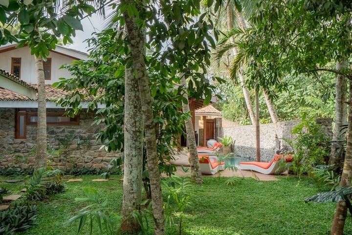 The Hiru House, superb private large Villa