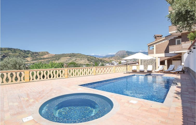 Holiday cottage with 3 bedrooms on 400m² in Gerace