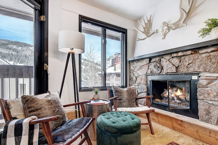 ★ Stunning New Copper Condo | Next to Ski Lifts ★