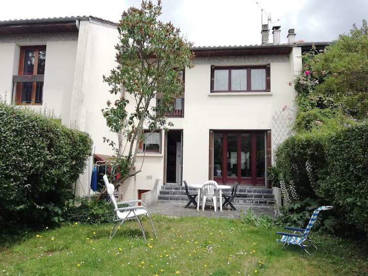Maison familiale avec jardin à Orsay près de Paris