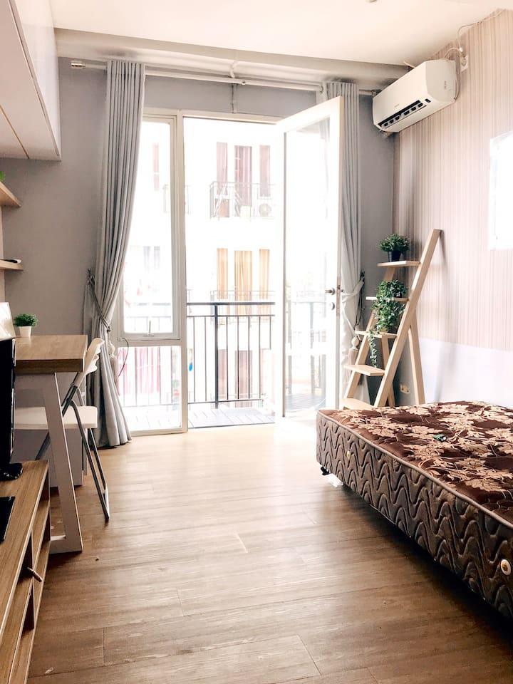 Cozy Studio Apartment at The Jarrdin Cihampelas