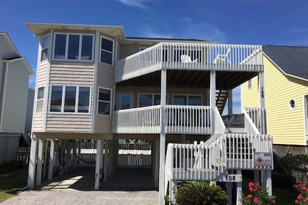 OIB Lovin' Life - Steps from the Beach