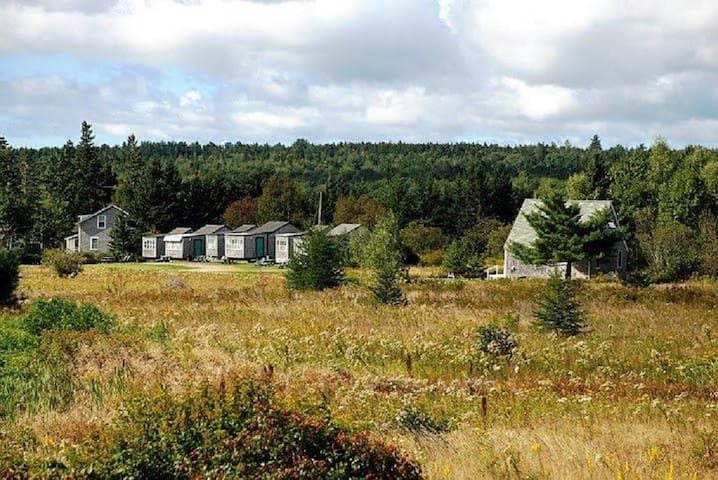 Flanders Bay Cabins (Cabin 9 - 1BR)