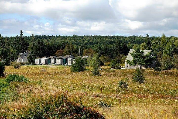 Flanders Bay Cabins (Cabin 11 - 1BR)