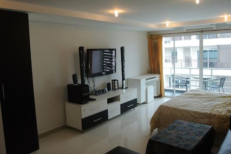 B&M3,703)Big,clean corner room near to beach. - banglamung