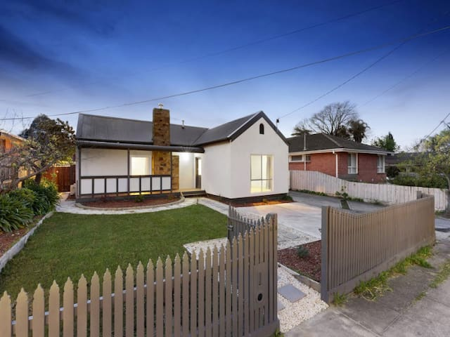 2 bedrooms in Clayton - Clayton - House