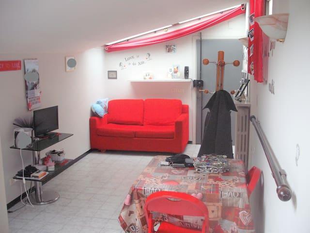 Modern studio in center Prato